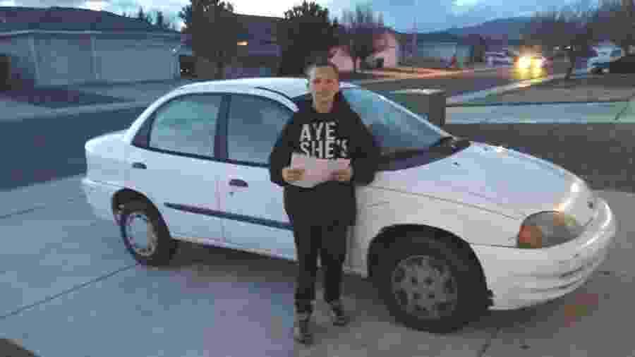 William Preston, 13, mostra o carro que comprou para dar para sua mãe - Facebook