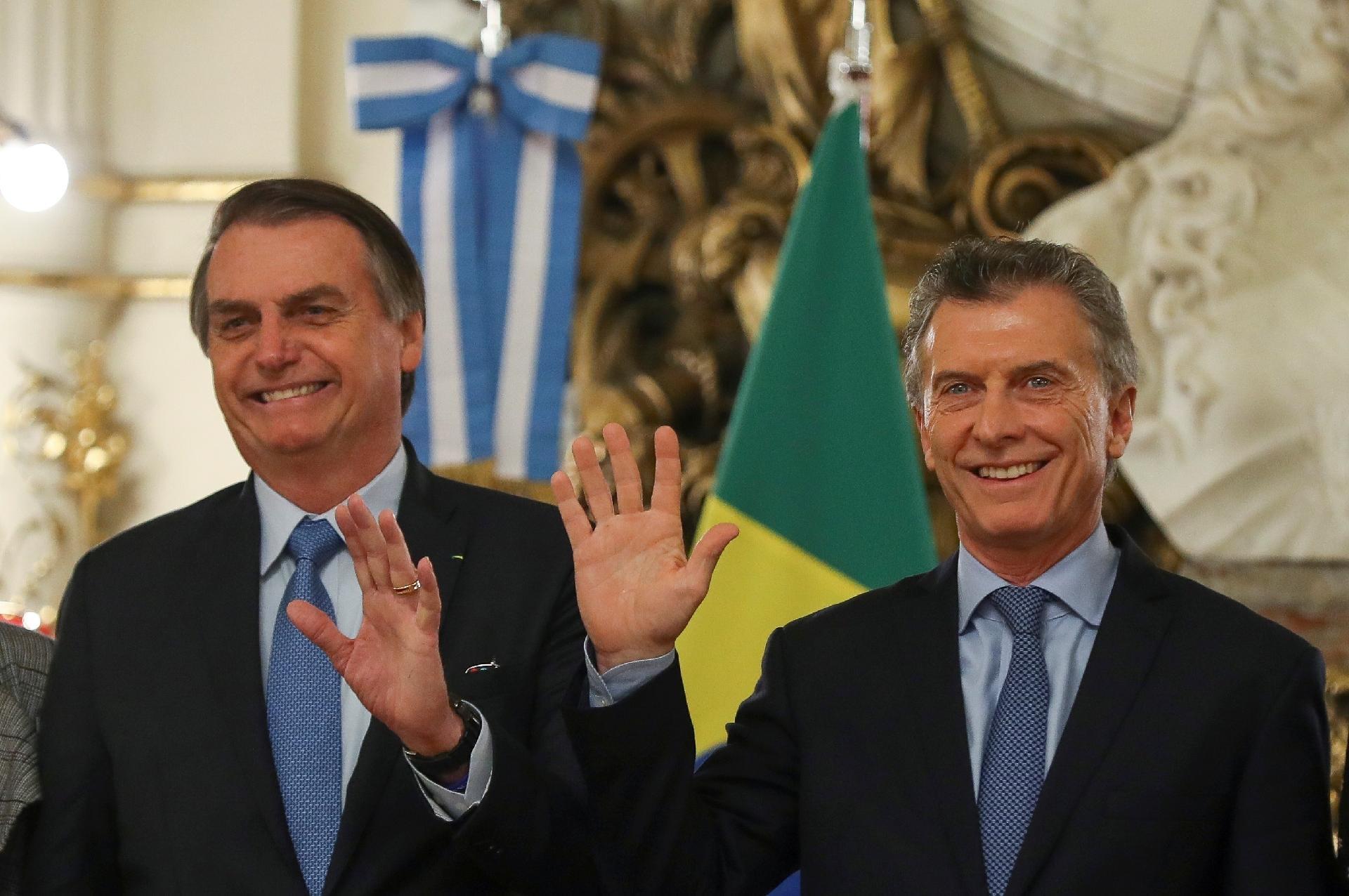10349dd55b Bolsonaro volta a falar em moeda única entre Brasil e Argentina