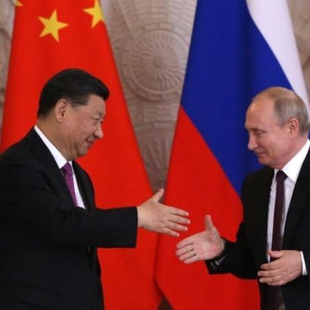 """Xi diz que Putin é seu """"melhor amigo""""  - Getty Images"""