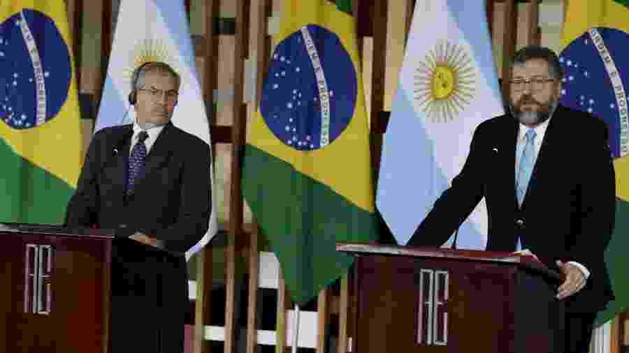 Os ministros das Relações Exteriores de Argentina e Brasil, Felipe Solá e Ernesto Araújo - Lucio Tavora/Xinhua