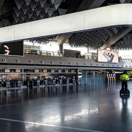 Aeroporto vazio - pandemia - Gerald Friedrich/Pixabay