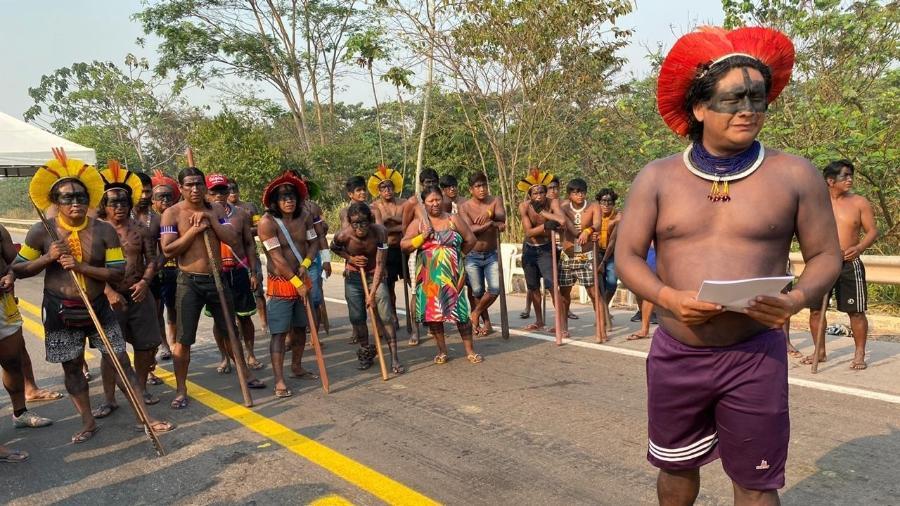 Indígenas kayapós protestam bloqueando BR-163 em Novo Progresso (PA) em agosto de 2020 - Instituto Kabu/Divulgação
