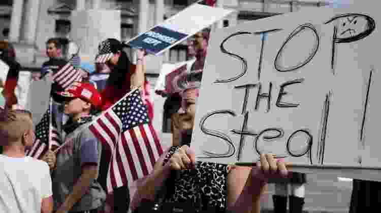 Manifestação pró-Trump pede interrupção de contagem de votos em Harrisburg, na Pensilvânia - Spencer Platt/Getty Images via AFP - Spencer Platt/Getty Images via AFP