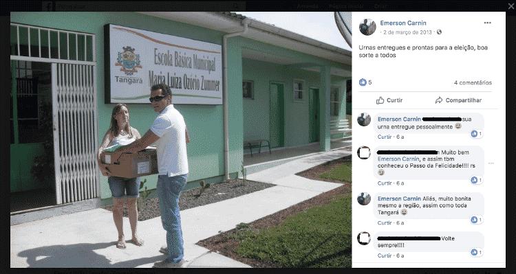 Foto de Emerson Cargnin, publicada no Facebook, entregando urna eletrônica em Tangará (SC), que teve eleições em 2013  - Reprodução - Reprodução