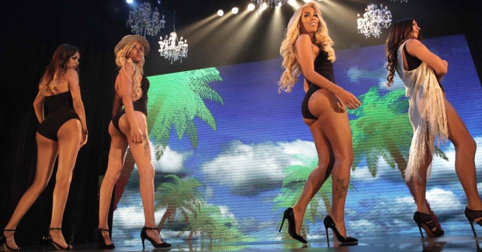 27.mai.2016 - Candidatas desfilam no concurso de beleza Miss Trans Israel, em Tel Aviv