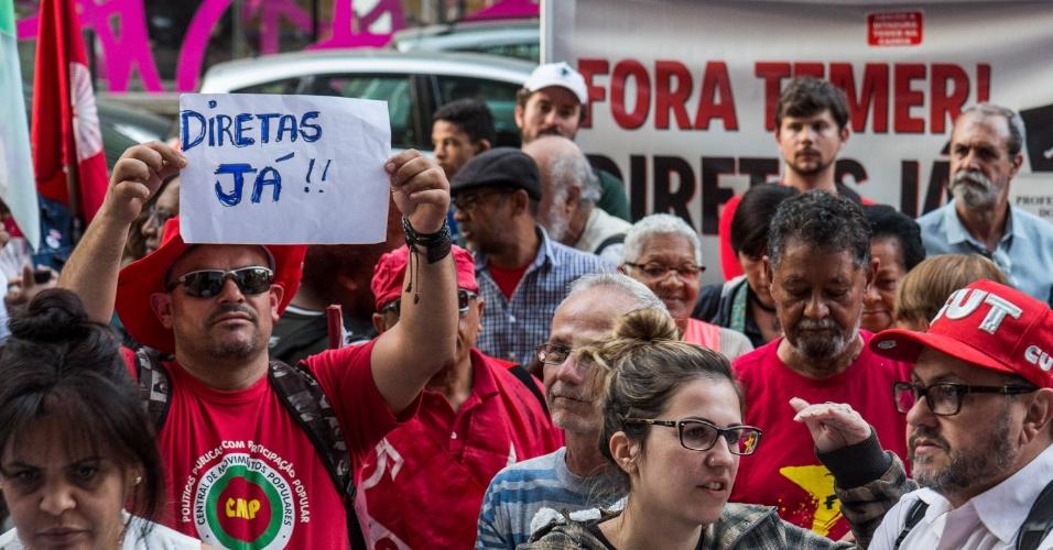 2.ago.2017 - Protesto contra o presidente do Brasil, Michel Temer em São Paulo (SP), nesta quarta-feira (02). Deputados decidem hoje se aceitam a denúncia feita contra Temer pela Procuradoria Geral da República