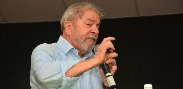 5.dez.2017 - Ex-presidente Lula visita a unidade do Instituto Federal do Espírito Santo em Cariacica (ES) - Renato Cabrini/Futura Press/Estadão Conteúdo