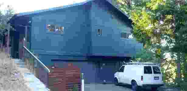 Com economia, Peter e Kara deram entrada nessa casa em Santa Cruz (Califórnia); imóvel tinha duas casas para hóspedes que eles alugavam para pagar a hipoteca - Arquivo pessoal