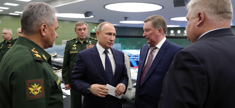 O presidente russo Vladimir Putin visita o Centro de Controle de Defesa Nacional em Moscou nesta quarta-feira 26 de dezembro de 2018  - Mikhail KLIMENTYEV/AFP
