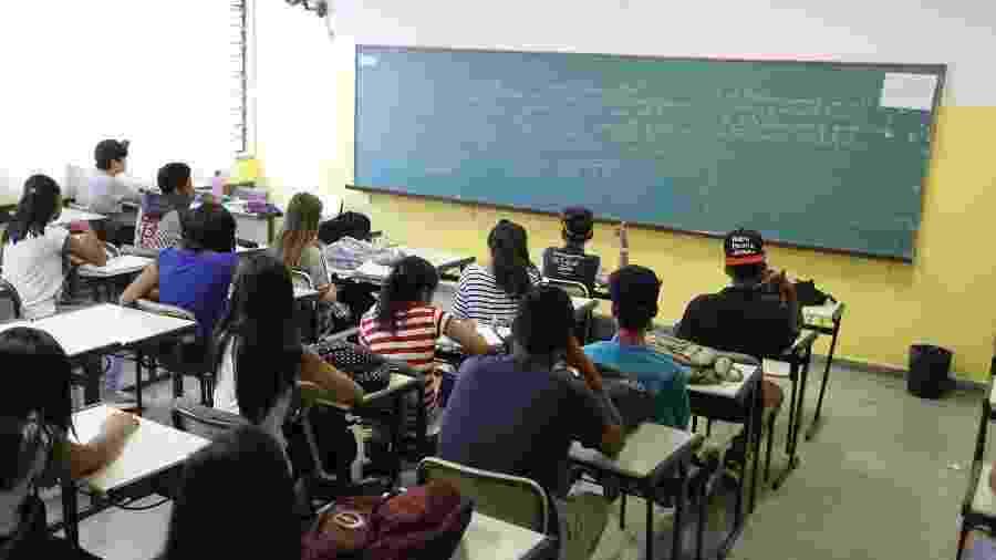 O desempenho de estudantes do ensino médio na rede estadual de São Paulo está longe da meta para a etapa - Rivaldo Gomes/Folhapress - 29.mar.2016