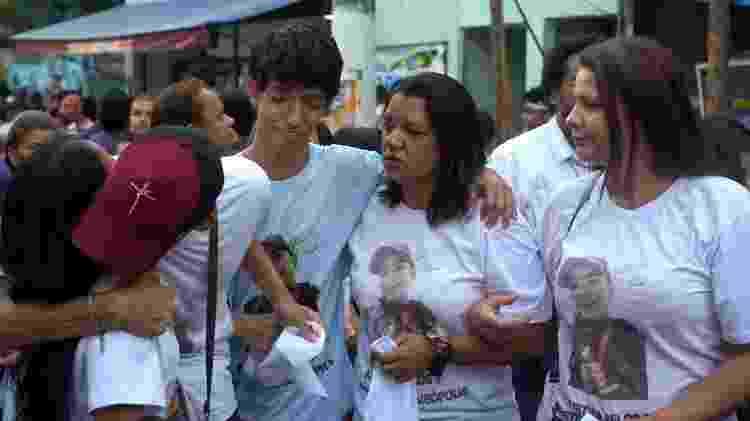 """Manifestação em Paraisópolis pediu justiça depois que 9 jovens morreram: """"Não ficaremos calados"""" - Felix Lima/BBC News Brasil"""