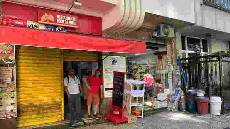 Por coronavírus, comércio em Copacabana tinha pouco movimento nesta sexta (27)  - Caio Blois/UOL