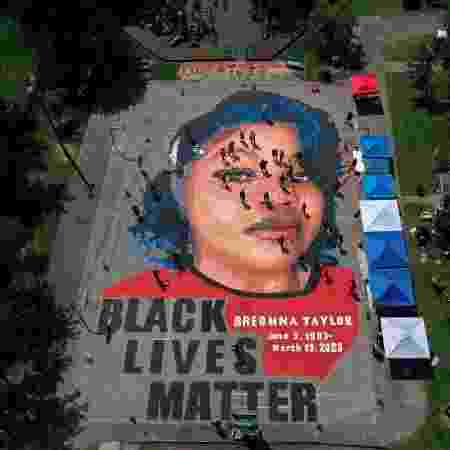 05/07/2020 - Mural em Annapolis, Maryland, que retrata Breonna Taylor, assassinada pela polícia americana - Patrick Smith/Getty Images