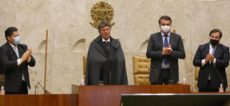 Fux, Bolsonaro e Maia (à dir.) na sessão de posse do ministro na Presidência do STF - Nelson Jr./SCO/STF