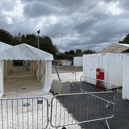 Centro de drive-thru de testes de covid em Birmingham, Inglaterra - Reprodução