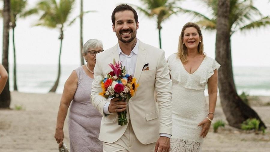 Diogo Rabelo e o noivo terminaram relacionamento a três meses do casamento na Bahia - @drdiogorabelo/Instagram