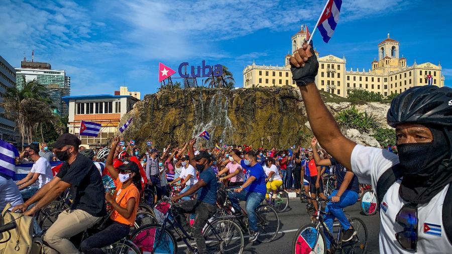 Caravana da União de Jovens Comunistas em Havana, Cuba - Adalberto Roque/AFP