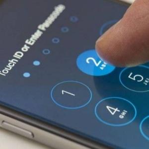 Diretor do FBI, James Comey evitou revelar o valor exato que foi pago aos hackers que ajudaram a desbloquear o iPhone
