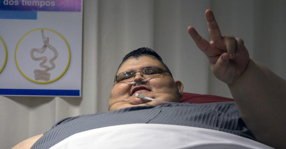 21.dez.2016 - A primeira operação vai remover três quartos do estômago de Juan Pedro, e a segunda vai modificar seu intestino para que absorva menos nutrientes, de acordo com o médico