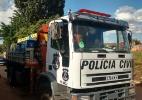 Banheiro com lama, móveis encharcados: a vida de quem convive com inundações - Beto Macário/UOL