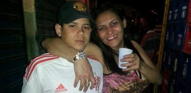 Rian Silva, morto no Caju na terça (27), e a mãe dele, Lenilda de Alencar