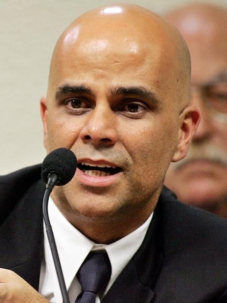 Empresário Marcos Valério durante depoimento à CPI dos Correios em 2005.  - Lula Marques/Folhapress