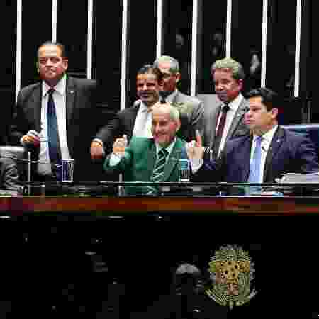 O ministro-chefe da Secretaria de Governo, Luiz Eduardo Ramos, ao lado do presidente do Senado, Davi Alcolumbre (DEM-AP) - Jonas Pereira/Agência Senado