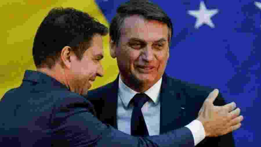 Bolsonaro é cumprimentado por Alexandre Ramagem - Acervo Pessoal/Reprodução