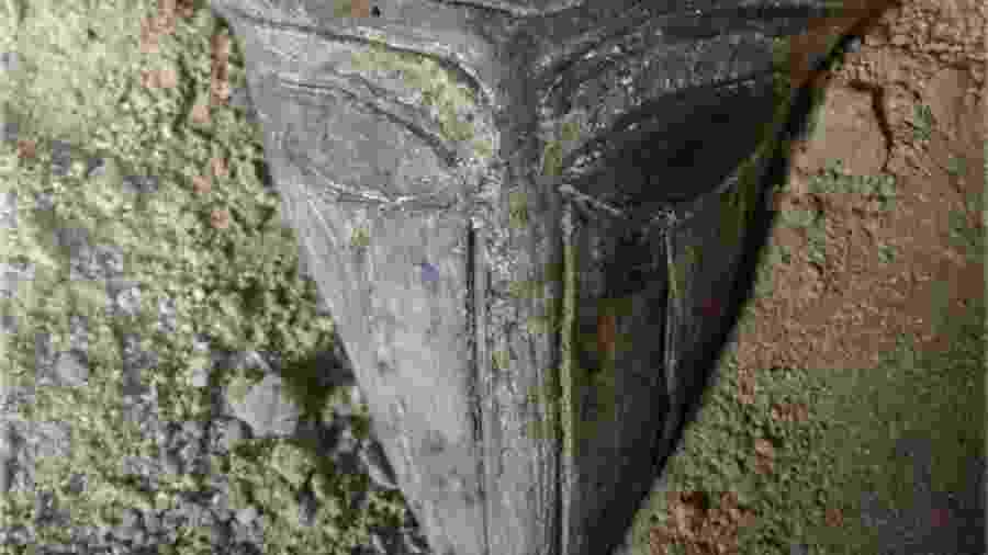 Máscara de 6 mil anos, contendo traços humanos e de animais  - Reprodução/Bulgarian National Radio