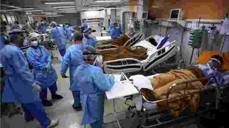 Hospital lotado com medicos e pacientes em Porto Alegre - REUTERS - REUTERS