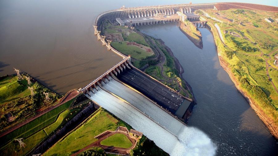 Vista aérea da Usina de Itaipu, em Foz do Iguaçu (PR) - Joel Rocha//Governo do Estado do Paraná