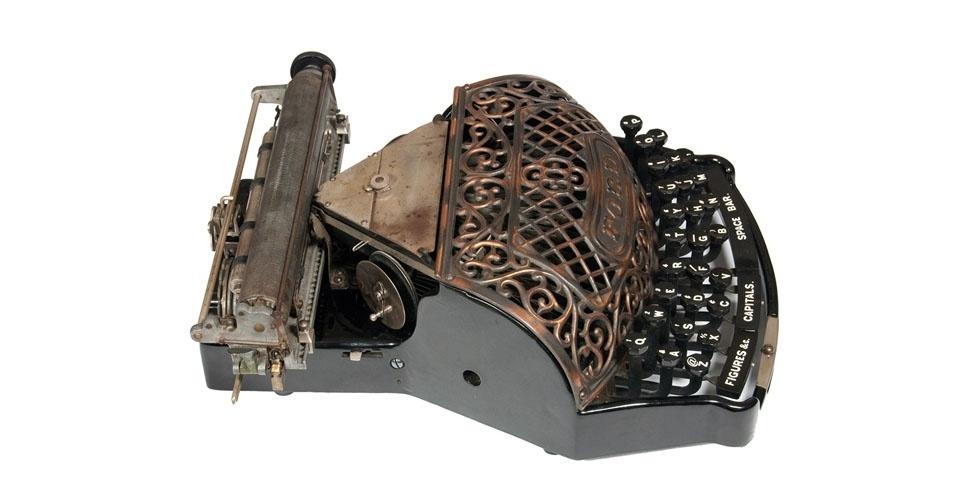 Máquina de escrever (1895). Esse é um dos objetos extintos que integram a enciclopédia virtual criada pela startup russa Thngs para eternizar tecnologias do passado