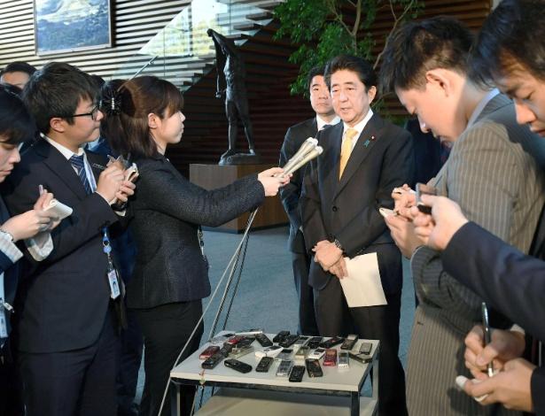 Shinzo Abe concede entrevista depois de conversa por telefone com Donald Trump