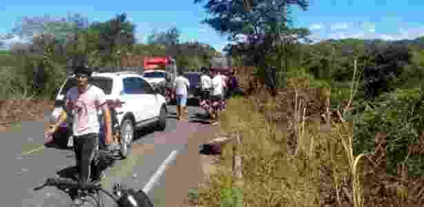 Uma das rodas do caminhão ficou na estrada - Site BarrasVirtual - Site BarrasVirtual