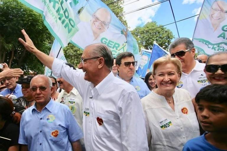 1º.set.2018 - O candidato à Presidência pelo PSDB, Geraldo Alckmin, faz campanha no município de Horizonte (CE)
