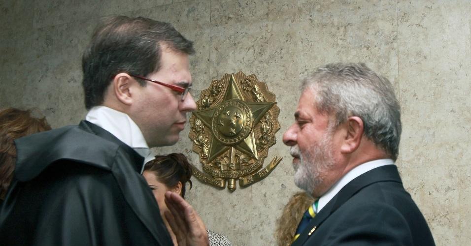23.out.2009 - Posse do ministro Dias Toffoli no STF em 2009, ao lado do ex-presidente Lula