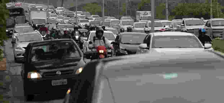 21. nov. 2018 - Interdição na via expressa da marginal Pinheiros gera congestionamento nesta quarta-feira (21) na saída da Ponte João Dias, zona sul da cidade - Diego Padgurschi/UOL