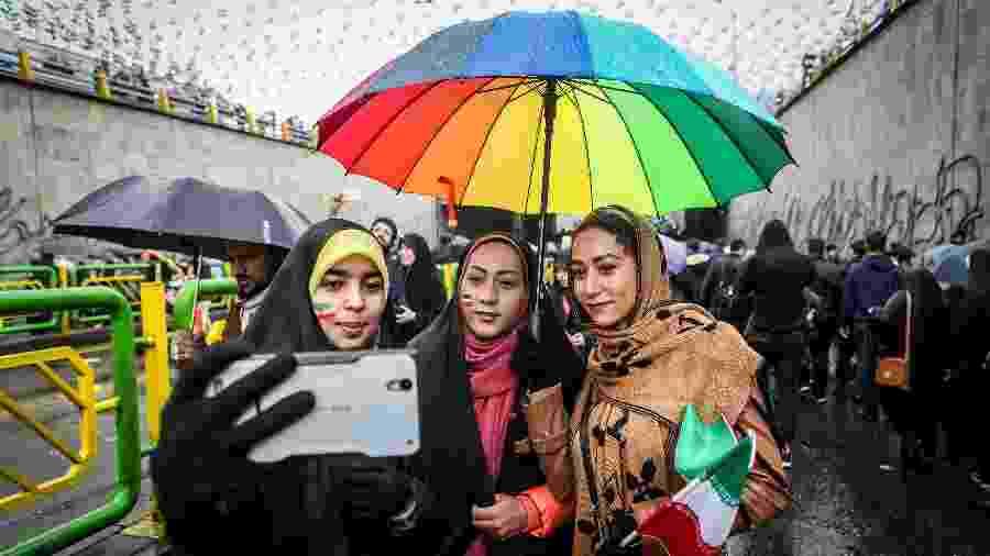 Mulheres iranianas durante as comemorações dos 40 anos da Revolução Islâmica em Teerã - Reuters