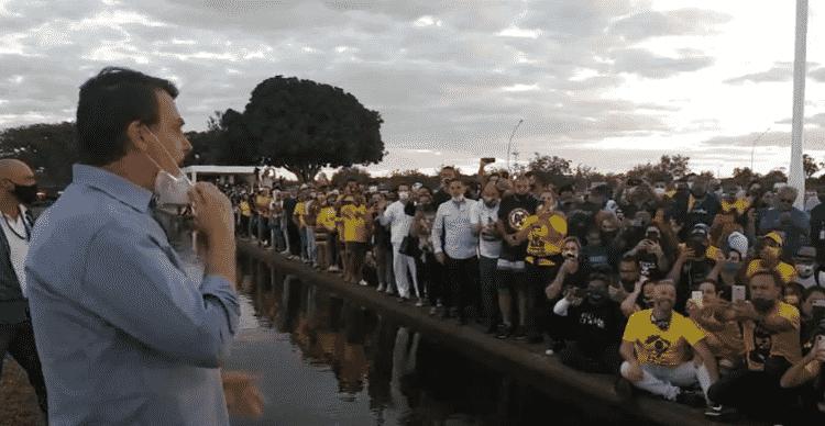 Bolsonaro apoiadores - Reprodução - Reprodução