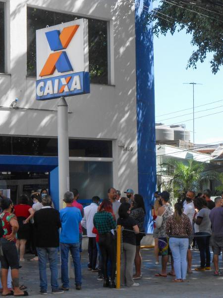 Agência da Caixa faz repasse do auxílio emergencial - César Conventi/Fotoarena/Estadão Conteúdo