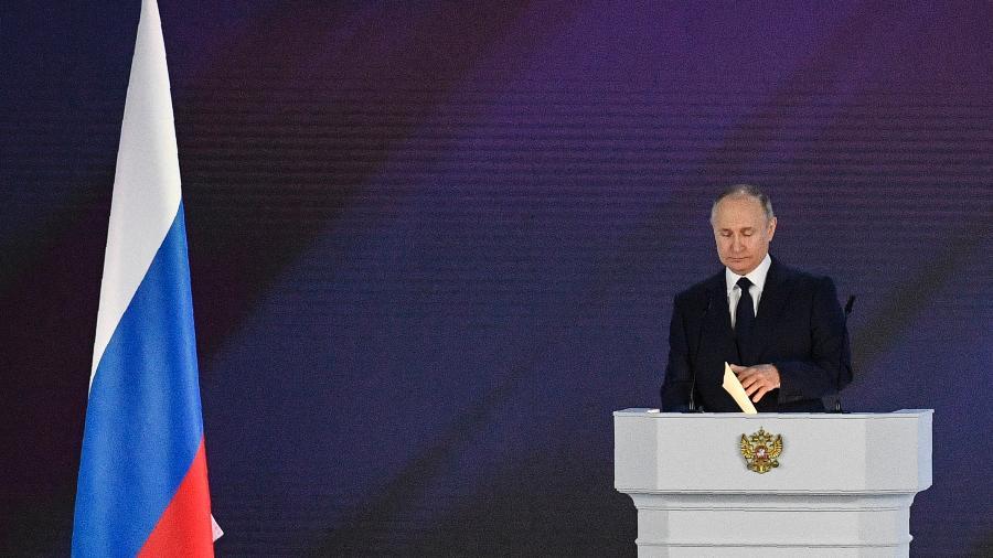"""""""Vacina tem hoje uma importância capital (...) para permitir que se desenvolva a imunidade coletiva no outono"""", declarou Putin - Alexander Nemenov/AFP"""