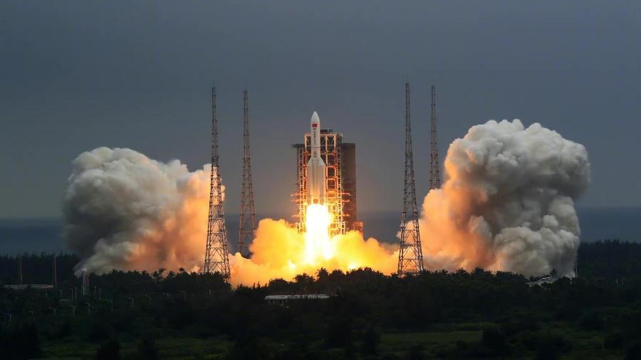 Restos do foguete chinês Long March 5B, lançado em abril, podem cair na Terra - CGTN