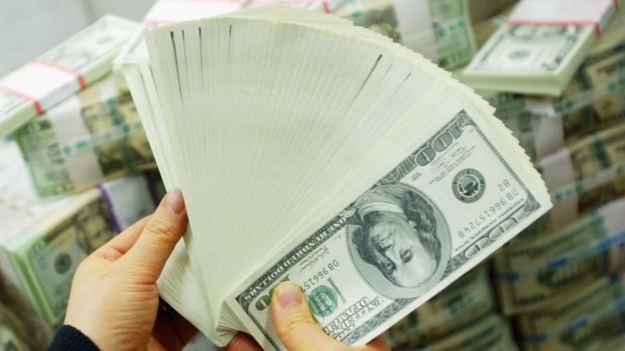 Declaração do diretor do Federal Reserve enfraqueceu procura por dólares esta semana - Getty Images
