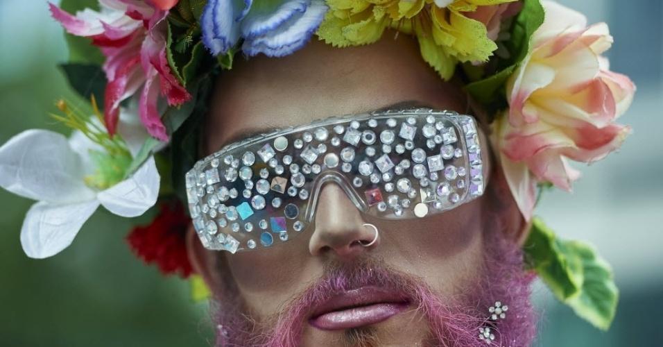 27.jun.2015 - Ativista fantasiado participa de Parada Gay em Londres, no Reino Unido