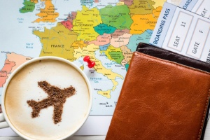Recebeu mensagem com passagens aéreas gratuitas? É golpe (Foto: Getty Images/iStockphoto/ZinaidaSopina)
