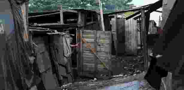 Favela do Dique Estrada, na periferia de Maceió, que teve moradores cortados do benefício do Bolsa Família - Beto Macário/UOL