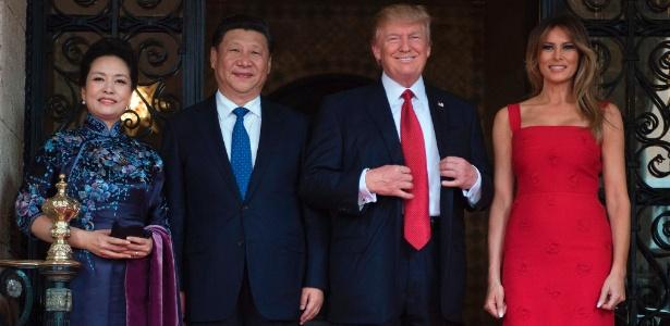Melania e Donald Trump recebem o presidente chinês, Xi Jinping, e sua mulher, Peng Liyuan, na Flórida
