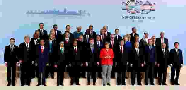7.jul.2017 - Líderes mundiais posam para a foto oficial da cúpula do G20, em Hamburgo, Alemanha - Axel Schmidt/ Reuters - Axel Schmidt/ Reuters