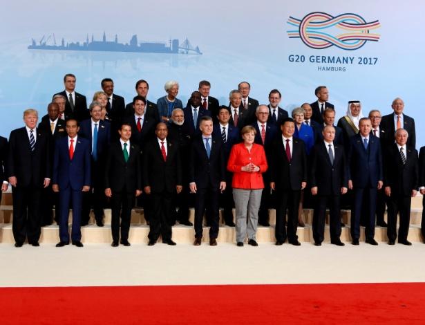 7.jul.2017 - Líderes mundiais posam para a foto oficial da cúpula do G20, em Hamburgo, Alemanha