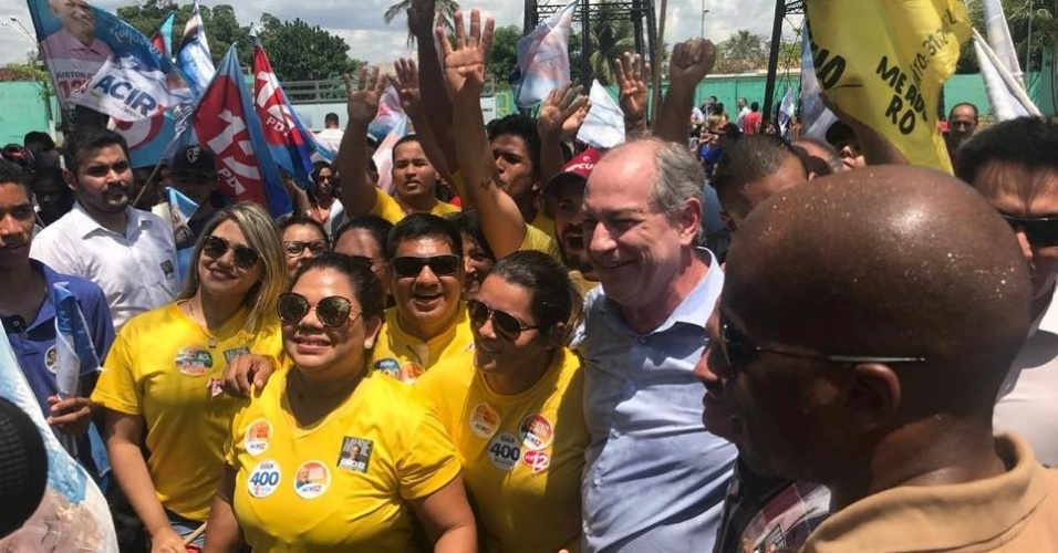 14.set.2018 - Ciro Gomes, candidato do PDT à Presidência, durante ato de campanha em Porto Velho, em Rondônia